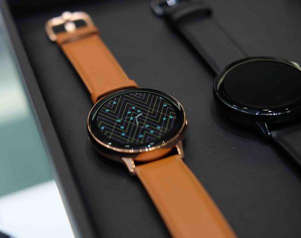 tìm hiểu về Samsung Galaxy Watch Active 2
