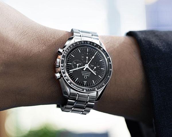 Đánh giá đồng hồ Omega Speedmaster