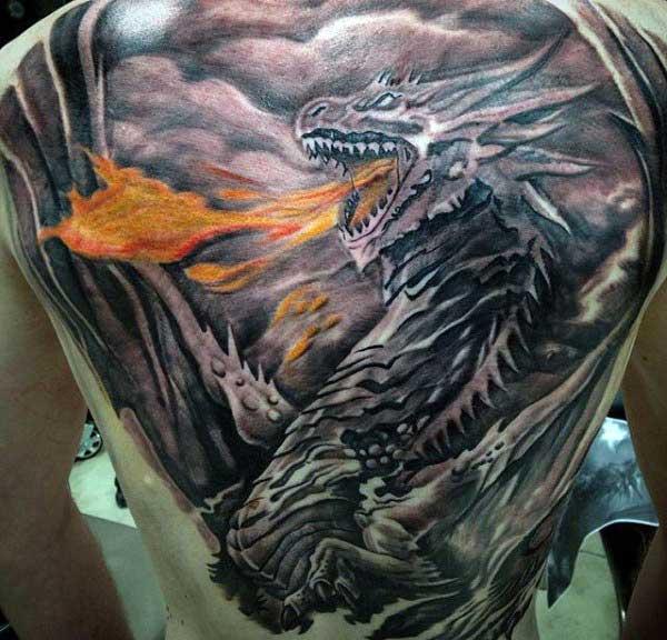 Hình xăm rồng phun lửa