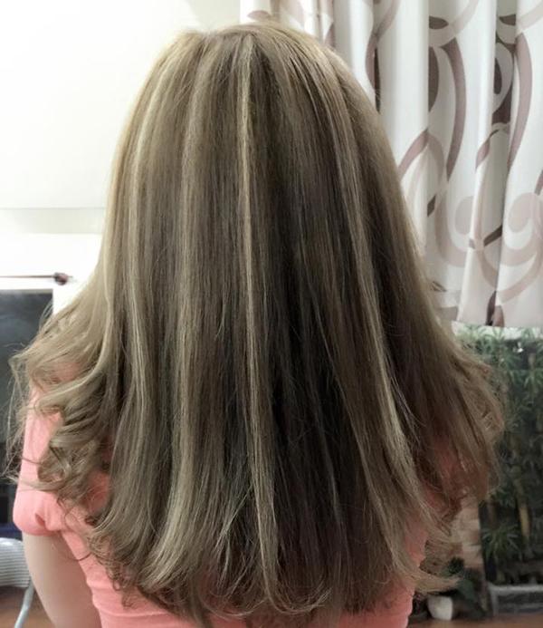 Màu tóc vàng phẩy light