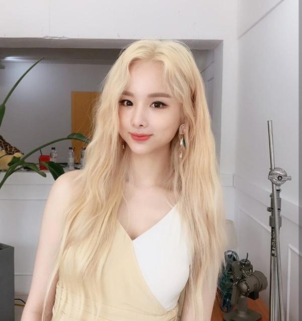 màu tóc vàng