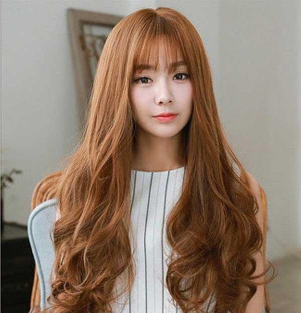 Top tóc màu vàng nâu
