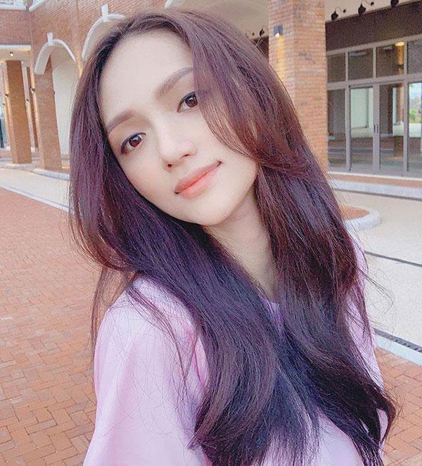 Kiểu tóc xanh đen ánh tím