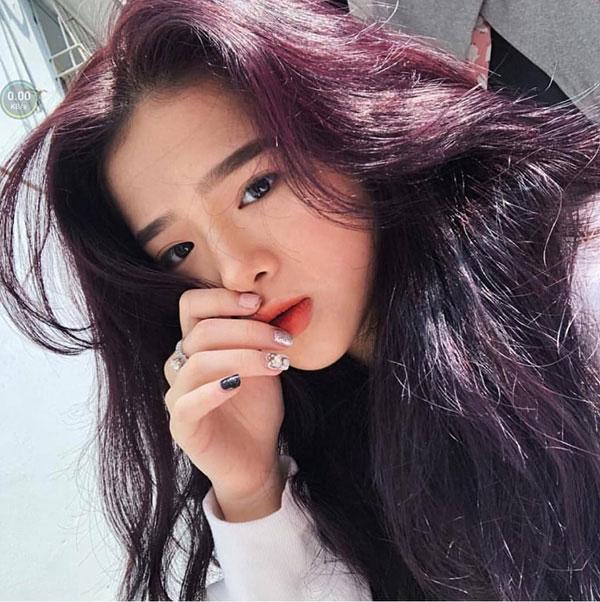 Màu tóc nâu ánh tím lạnh