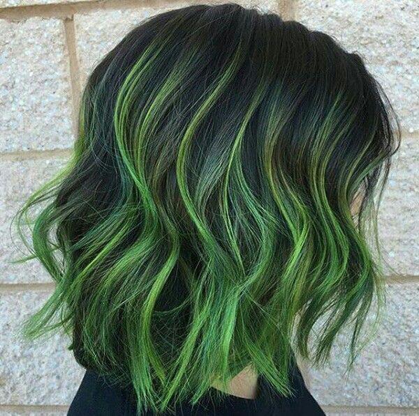 Màu tóc xanh rêu Highlight