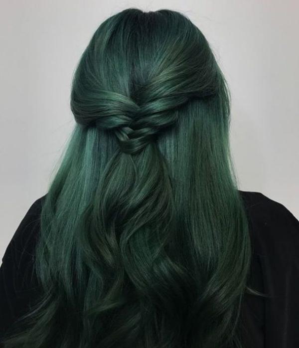 Màu tóc xanh rêu trầm