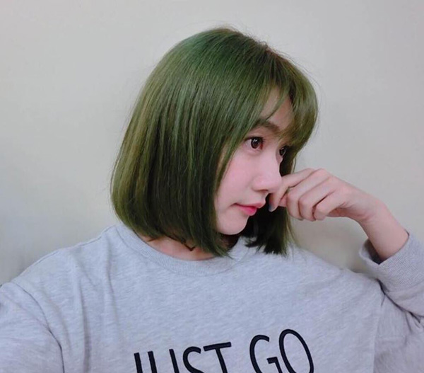 Tóc ngắn xanh rêu