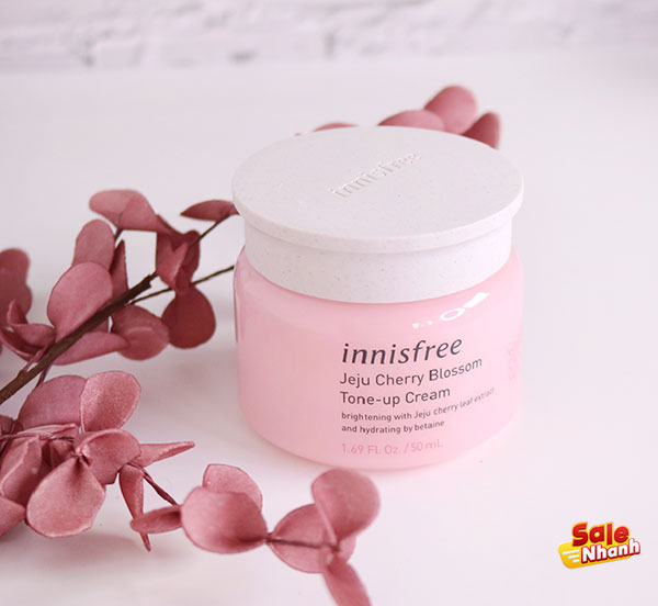 đánh giá Innisfree Jeju Cherry Blossom Tone up
