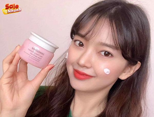 Sản phẩm Innisfree Jeju Cherry Blossom Tone up